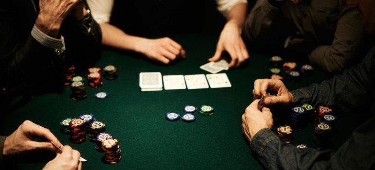 Донк в покере