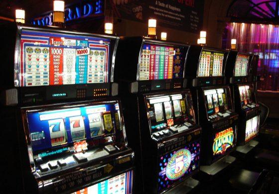 Игровые автоматы и покер. Насколько реален видеопокер?